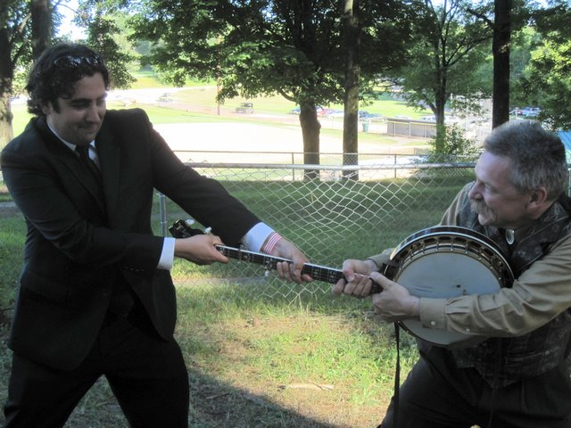 Bluegrass in the Pines 2011 - Dueling Banjos Uncensored